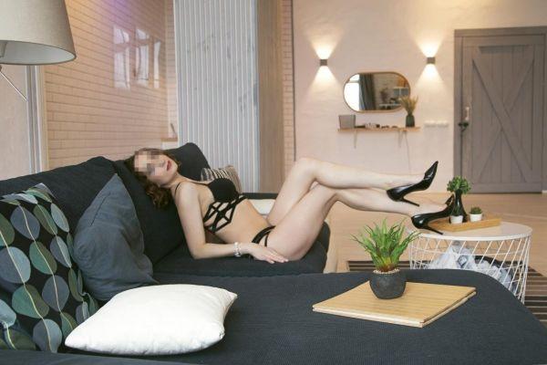 Сексуальная негритянка М арина, закажите онлайн